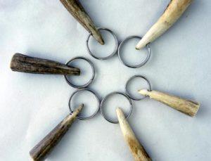 Tine-pulls-key-rings