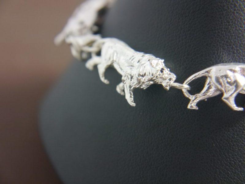 silver-lion-bracelet
