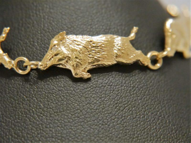 9ct Gold Running Boar