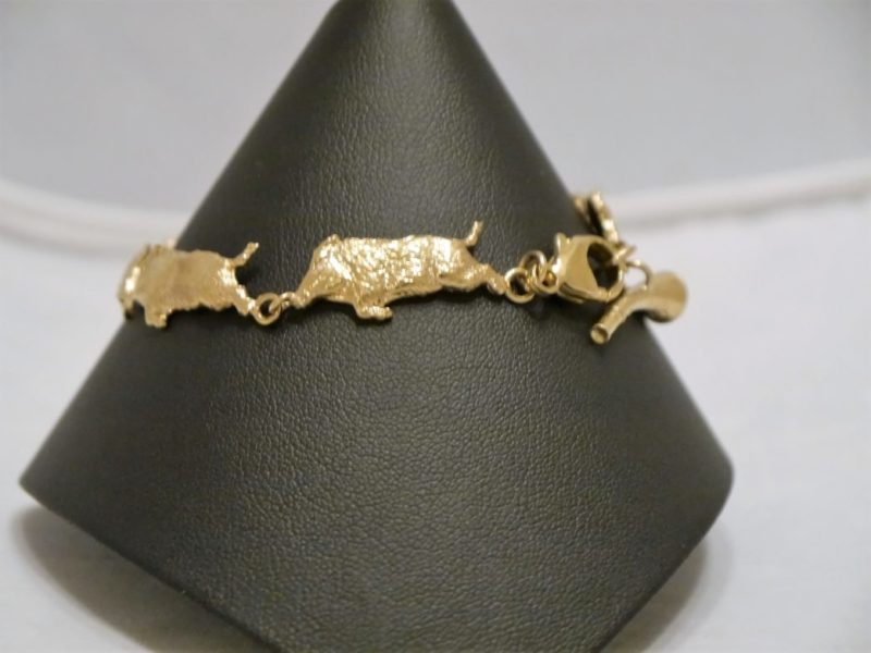 9ct-gold-running-wild-boar