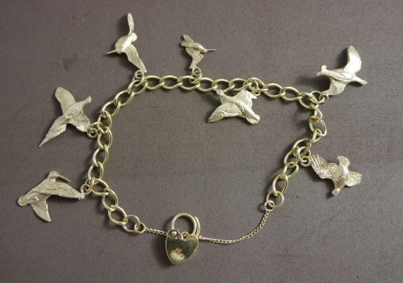 7-gold-bird-charm-bracelet