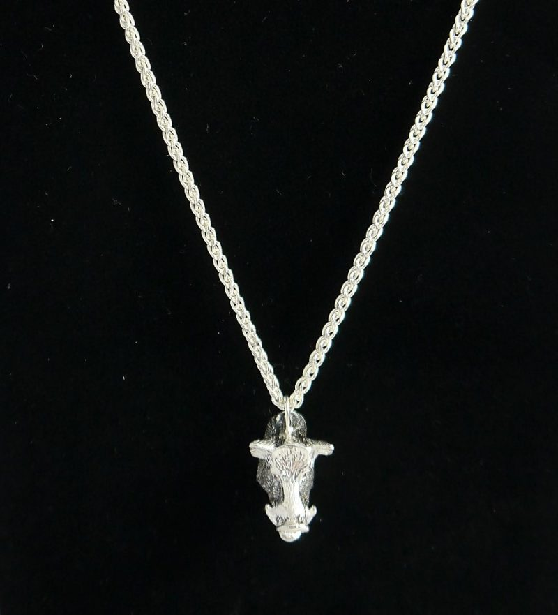 boar-head-necklace