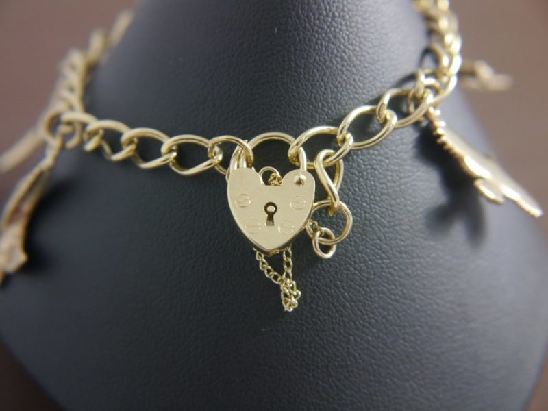 gold-heart-safety-chain