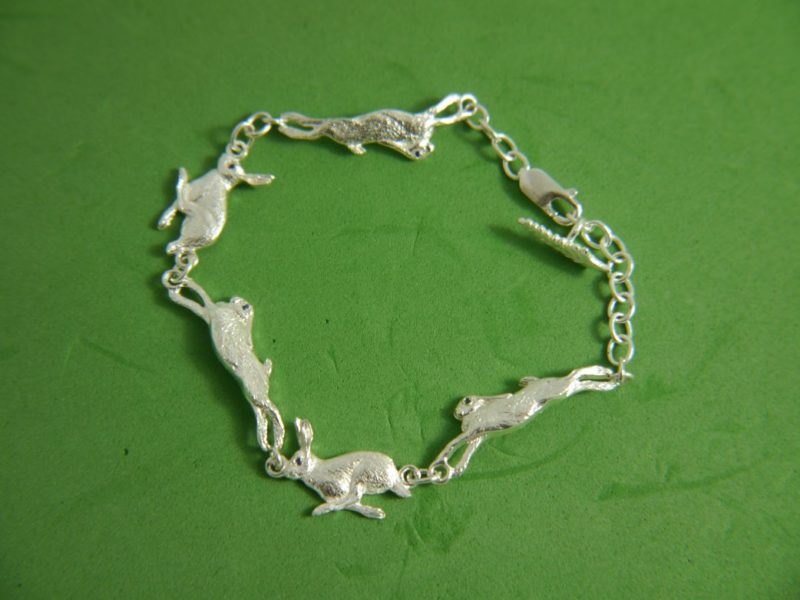 silver-running-hare-bracelet-with-small-leaf-charm